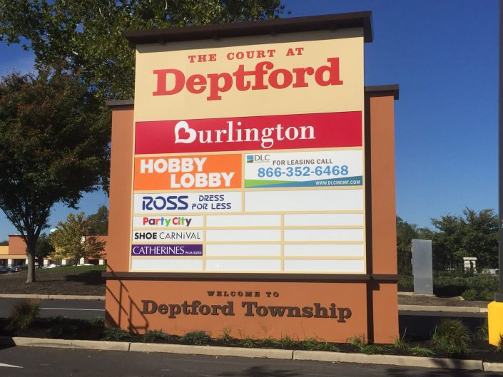 Aerial Signs and Awnings 908-705x529 Pylon Signs